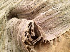 Tapetes de couro em várias medidas no site e nas lojas.