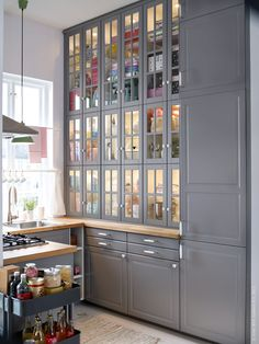 IKEA SE Kitchen system METHOD available in all stores as of June 3. The new dimensions 20/40/60/80/100 cm makes it possible to combine cabinets and drawers for a personal solution. METHOD is also available in many different styles and colors so you can create the kitchen you've always dreamed of