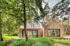 Villa Tonden – HofmanDujardin Villa, Clad Home, Bunk Beds Built In, Timber Roof, Relaxing Holidays, Roof Structure, Private Garden, Sliding Glass Door, Detached House