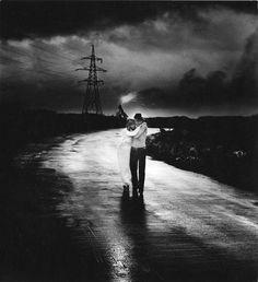 «Дорога», 1975 год. Фото: Гунар Бинде . Из подборки  64 гениальные советские фотографии от ярчайших фотомастеров • НОВОСТИ В ФОТОГРАФИЯХ