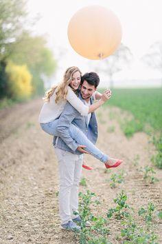 balloon engagement shoot / Carmen and Ingo Photography