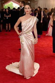 Slideshow: See Every Last Look From The Met Gala Red Carpet!