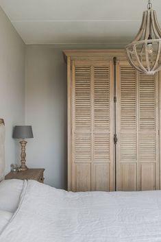Landelijk wonen in Opheusden Home Decor Bedroom, Living Room Decor, Master Bedroom, Country Stil, Modern Rustic Interiors, House Rooms, New Homes, House Design, Interior Design