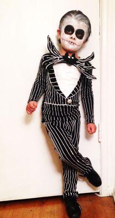 Easy Jack Skellington DIY costume for Halloween!