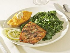 This easy baked salmon recipe is flavored with minced garlic, parsley and lemon juice. Serve this flavorful salmon on a bed of kale or spinach and enjoy. Best Post Workout Food, Post Workout Nutrition, Healthy Snacks, Healthy Eating, Healthy Recipes, Healthy Yogurt, Tasty Meals, Real Food Recipes, Cooking Recipes