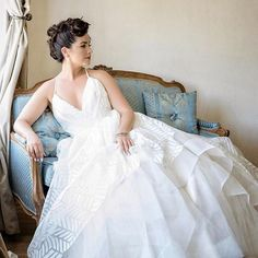 So elegant and so stunning.To book your bridal beauty trial now, contact us through the link in our bio. We can't wait to help you become the radiant bride of your dreams! Short Bridal Hair, Bridal Hair Half Up, Bridal Hair Updo, Bridal Headpieces, Bridal Gowns, Wedding Gallery, Wedding Photos, Wedding Ideas, Bride And Groom Pictures