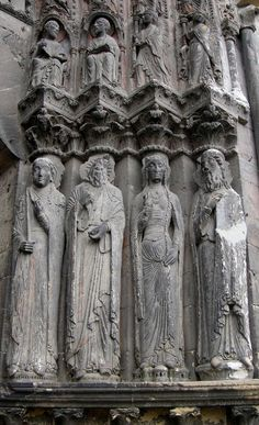 Angers cathedral in France. West portal. Shows side lacing. Different style of mid drift and belt.