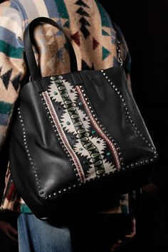Valentino Fall 2016 Menswear Fashion Show Details Leather Fashion, Leather Bag, Mens Fashion, Pink Leather, Womens Tote Bags, Men Bags, Beautiful Bags, Handbag Accessories, Bling Bling