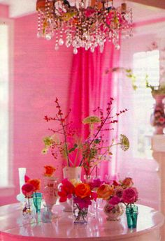 Pink walls and fuchsia curtains with chandelier above table. Rose Fushia, Orange Flowers, Magenta, Tout Rose, Rosa Pink, Deco Addict, I Believe In Pink, Ideas Geniales, Pink Room