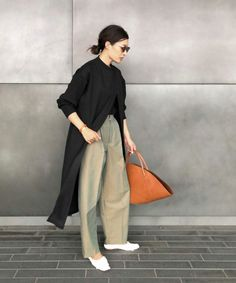 Pin on ファッション Japan Fashion, 70s Fashion, Fashion 2020, Modest Fashion, Vintage Fashion, Womens Fashion, Winter Fashion, Architect Fashion, Leotard Fashion