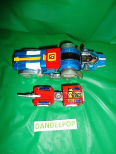 2 Voltron Toy Action Figures Lion #2 and  #4 Japan 1981 find me at www.dandeepop.com
