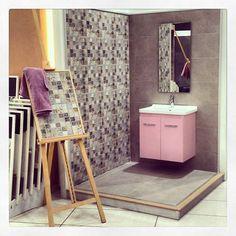 Δημιουργίες των εκθέσεων μας στην Ανθούσα, Πειραιά και Χαϊδάρι. Μπάνιο Ανθούσας. Μάθετε περισσότερα στο www.kypriotis.gr - #kypriotis #kipriotis #plakakia #plakidia #anakainisi #athens #ellada #greece #hellas #banio #dapedo Ladder Decor, Home Decor, Decoration Home, Room Decor, Home Interior Design, Home Decoration, Interior Design
