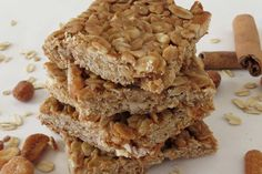 Peanut Butter and Honey Oat Bars Ingredients  1/2 cup honey 1 tbsp coconut oil 1/3 cup peanut butter 1/2 tsp vanilla extract 1/4 tsp. cinnamon, ground 2 cups oats 1/2 cup chopped honey roasted peanuts 300 F 20-25 min