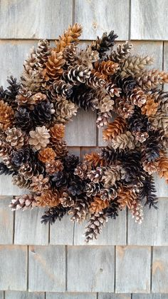 This wreath is 19 from side to side. Warm caremel mixed with dark coffee brown, then a light toasted brown. Please message me if you need a