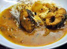 Rui Maacher Curry – Bengali Style Rohu Fish Curry #blog #recipe #bengali