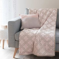 53 trendy home office pink and gold couch Living Room White, Cozy Living Rooms, Home Living Room, Gold Bedroom, Bedroom Decor, Canape D Angle Design, Living Room Flooring, Trendy Home, Home Hacks