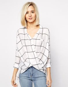 Order River Island Casual Wrap Blouse In Check online today at ASOS for fast delivery, multiple payment options and hassle-free returns (Ts&Cs apply). Get the latest trends with ASOS. Corsage, Blouse Wrap, Wrap Dress, River Island, Lawyer Fashion, Asos, Work Wardrobe, Classy And Fabulous, Comfortable Outfits