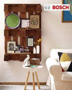 DIY Anleitung: Europalette als Regal // home diy: how to upcycle a euro-pallet into a wall rack via DaWanda.com