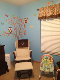 Owl themed baby room. Love the tree with the owls.