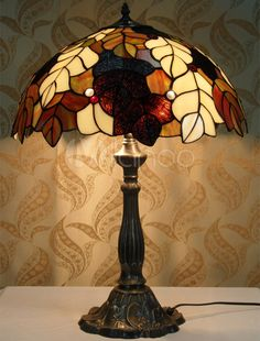 Beautiful Leaves Pattern Glass Tiffany Table Lights