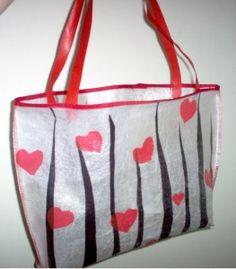 Fused Plastic Bags and Accessories - Instructables Plastic Bag Crafts, Recycled Plastic Bags, Plastic Grocery Bags, Recycled Crafts, Plastic Recycling, Recycling Ideas, Recycled Clothing, Recycled Fashion, Fused Plastic