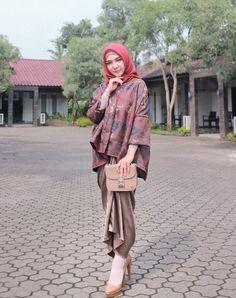 Model Kebaya Modern, Kebaya Modern Dress, Kebaya Dress, Kaftan Batik, Blouse Batik, Batik Dress, Kimono, Batik Fashion, Hijab Fashion