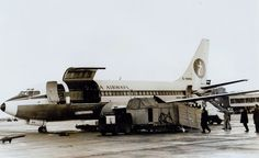 Britannia Airways Boeing 737 G-AXNA Cargo loading Horses Dublin -  ORIGINAL PRINT -  9.5 x 7 inches BY002