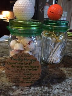 Father's Day DIY gift for your dad, husband, golfer or man in your life. A mason jar if golf ball mints and a holders poem for thank you dad or thank you father