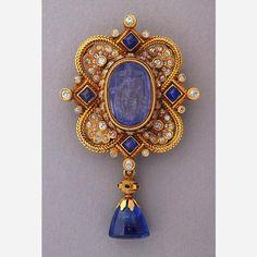 Brooch: gold, sapphires, diamonds, rubies and emeralds. Fortunato Pio Castellani & Sons, Rome, ca. 1898. Smithsonian Cooper-Hewitt, National Design Museum in New York
