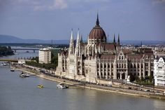 Private Transfer to Budapest from Zagreb in Croatia Europe Places To Travel, Places To Visit, Danube River, Beautiful Architecture, Croatia, The Good Place, Taj Mahal, Around The Worlds, Europe