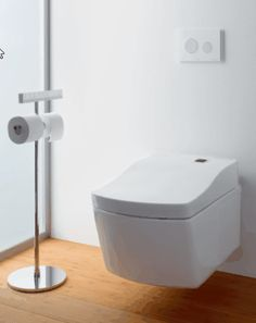 Bathroom remodel Toto Neorest LE I Bidet Toilette mit Washlet Seat How to stop squeaking in hardwood Japanese Shower, Instant Water Heater, Design Japonais, Toilette Design, Innovation, Bidet Toilet Seat, Wall Hung Toilet, Toilet Brush, Toilet Cleaning