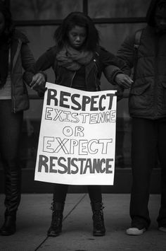 A woman holds hands with other people as a statement of black lives matter. Protest Art, Protest Posters, Protest Signs, Political Signs, Trump Protest, Political Art, Black Lives Matter Quotes, Power To The People, Human Rights