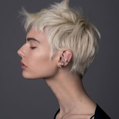 Very Short Hair, Short Hair Cuts, Short Hair Styles, Anatomy Reference, Short Pixie, Gold Hair, Fashion Jewelry, Haircut Short, Hairstyle