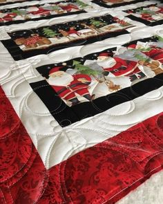 Christmas in the quilting room! By @andreac8888 #wolfcreekquilting #whatsonmyframetoday #christmasquilt #longarmquilting #laq
