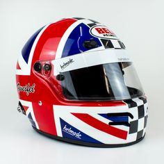 Next one brought on track🏁 - Super classy Union Jack Design for Matthias Zweifel, driving a historical race car. 🇬🇧  #helmade #withpassion #bell #helmetdesign #helmdesign #helmet #design #historical #racing #motorsports #bellhelmets #unionjack