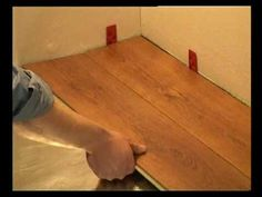 Video - Easy way to perfectly measure the lengthwise cut on laminate flooring