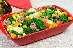 Salada de brócolis com couve-flor Food Truck, Cobb Salad, Easy, Paleo, Low Carb, Beef, Recipes, Vegetable Salad Recipes, Califlower Recipes