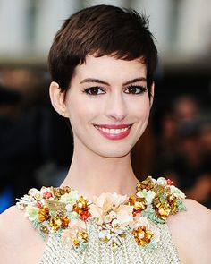 Google Image Result for http://img2.timeinc.net/instyle/images/2012/GALLERY/080712-hair-how-to-anne-hathaway-400.jpg