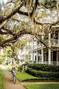 Beaufort, South Carolina Best Small Towns in the South - Southern Living Oh The Places You'll Go, Places To Travel, Places To Visit, Road Trip Usa, Holland, Southern Belle, Southern Living, Southern Charm, Southern Baby