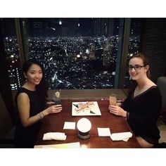 Instagram【karin_ura】さんの写真をピンしています。 《So happy to have this lovely guest in Tokyo on her special day💕 Alles gute zum Geburtstag🎉 #tokyo #japan #view #night #birthday #oldfriends #love  #東京 #夜景》