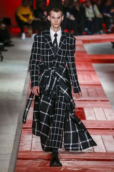 Alexander McQueen Autumn/Winter 2018 Menswear | British Vogue #MensFashion2018