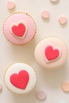 #Valentine #heart #cupcake