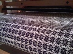 avl weaving loom...OHHHH love this pattern! But it is a 16 harnice