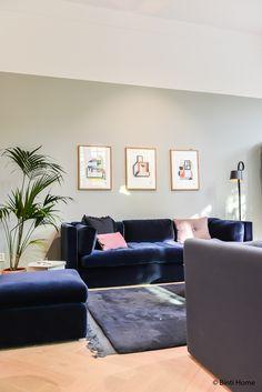 Home Decorating Stores Dallas Decor Home Living Room, Living Room Update, Pink Home Decor, New Living Room, Living Room Sofa, Blue And Pink Living Room, Blue Velvet Sofa Living Room, Dark Blue Couch, Room Color Schemes