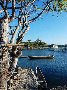 AmazingSnaps: Wakatobi Diving Resort, Indonesia , hey Hon @yodadhipratama look it HAHA beautiful places !<3