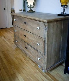 Antique bonnet chest of drawers for the home for Bureau kijiji