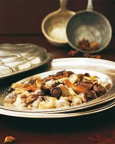 Fleischlos. Festlich. Fabelhaft! Mit Reis dazu wird aus dem Ragout ein vegetarisches Hauptgericht. Zum Rezept: Pilzragout mit Anis