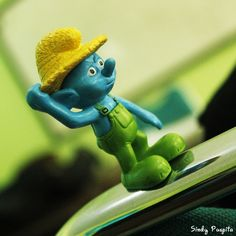 I'm confused #toyphotography #smurf #blue #miniatur #figure