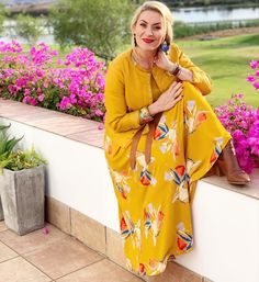 #lovethiscolour #sunshine #outfitoftheday #prints #summerstyle #summervibes #boots #thelook #imageconsultant Post Pregnancy Clothes, Pre Pregnancy, Pregnancy Outfits, Summer Vibes, Outfit Of The Day, Personal Style, Sunshine, Kimono Top, Formal