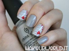 Sweet Stripes nails
